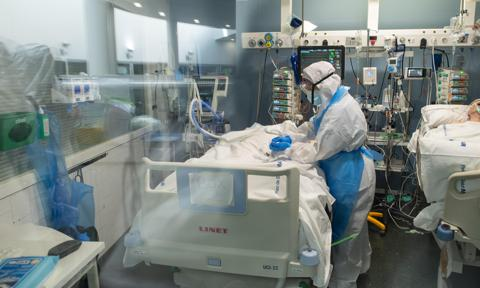 Barcelona's Hospital Del Mar Expands ICU In Fight Against Coronavirus